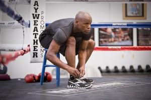 "Floyd ""Money"" Mayweather trains for Mosley fight in Reebok Zigs (Photos) 6c7afbaa0"